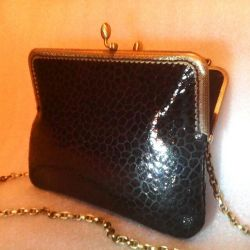 Small black handbag (leather)