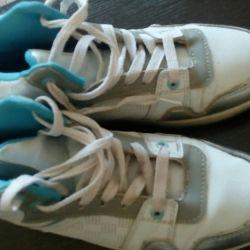 Sneakers high