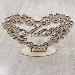Ahşaptan yapılmış ısmarlama düğün monogramı
