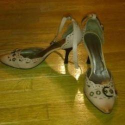 Pantofi noi 39-40