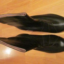 μισές μπότες