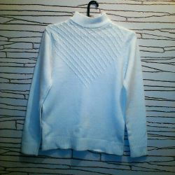 Шерстяные женские свитера