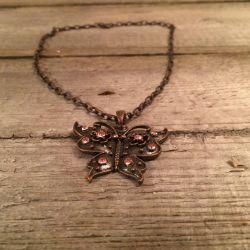 Αλυσίδα με κρεμαστά κοσμήματα πεταλούδας