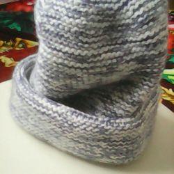 New handmade knitted hat