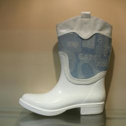 Rubber boots p.36.37