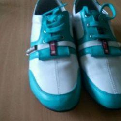 Νέα αθλητικά παπούτσια από γνήσιο δέρμα