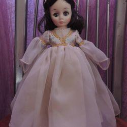 Beautiful Juliet from Madame Alexander (USA)