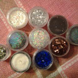 Glitter diferit pentru designul unghiilor