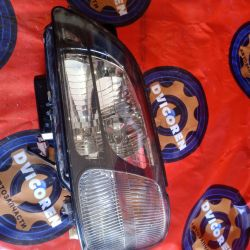 Headlight xennon Subaru BH.