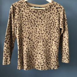Sweater (jumper) for women