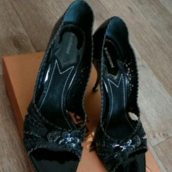 Μπαλντινίνι νέα παπούτσια