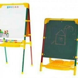 An easel growing double sided from stock!