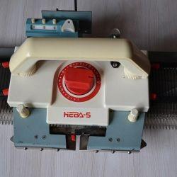Knitting machine Neva-5