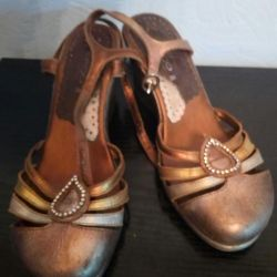 Wedges leather