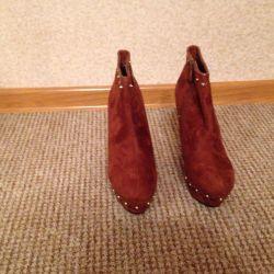 Осенние ботинки на платформе,рыжего цвета.Иск.замш