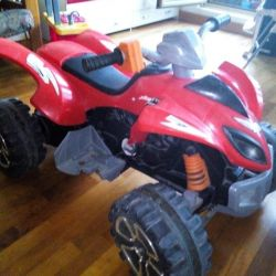 Quad bike, red.