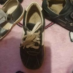 Sneakers leather in good condition. 25 r
