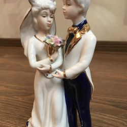 Figurine groom with a bride