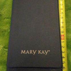 Stand-cover pentru o oglindă de la Mary Kay.