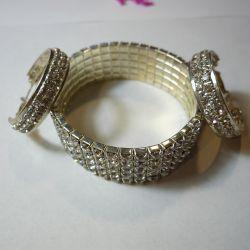 Bracelet and earrings in a gift box