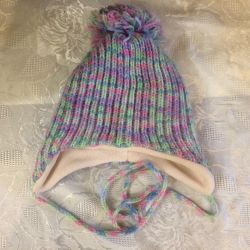 Hat for a girl of 4-5 years