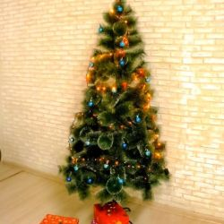 Artificial Christmas trees with cones