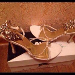 Sandals with rhinestones! 39 size.