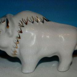 Figurină din porțelan Bison