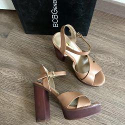 New sandals BCBG 36 p