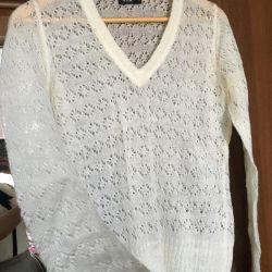 Όμορφο πουλόβερ