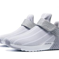 Onemix стильные спортивные туфли.