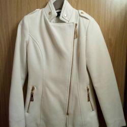 En gerçek moda kadınları için modaya uygun bir palto!