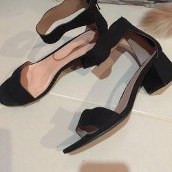 Hot sandals for women