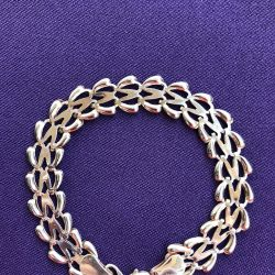 Gold female bat bracelet 6.10 gr