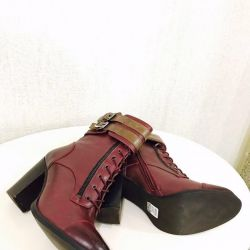 New demi-season boots, leather Akira Naka Japan