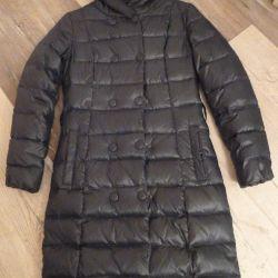 Dark green cloak-down jacket for a teenage girl