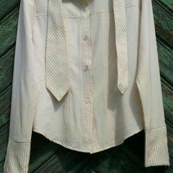 Kravatlı kadın gömlek