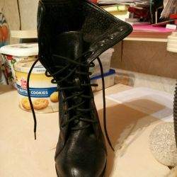 Полу чобітки, розмір 39, в хорошому стані