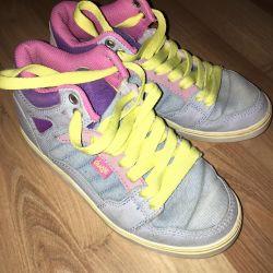 Sneakers for women skateboard