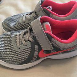 Sneakers for the girl (original)