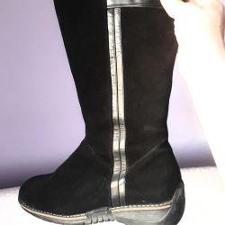 Μπότες από σουέτ και γούνα