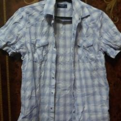 Men's shirt with short sleeves