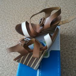I sell sandals made of genuine leather