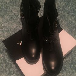 Boots NEW! 39 and 41