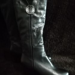 New boots from genuine leather
