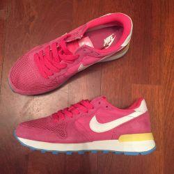 Popular Nike Women's Sneakers