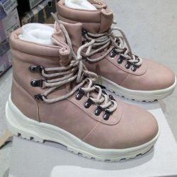 Γυναικείες χειμωνιάτικες μπότες Crosby