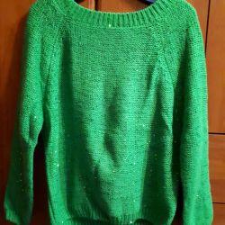 Women's sweater new.