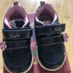 Кросівки 20 розмір