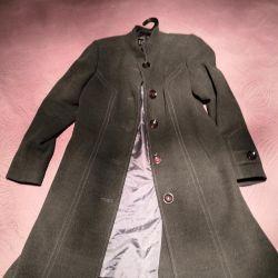 Пальто 48 р-р в идеальном состоянии (классика)